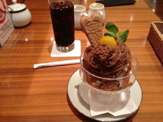 モンブランソフトクリームとコーヒー