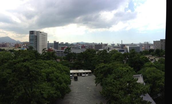 小倉城から警察署方面