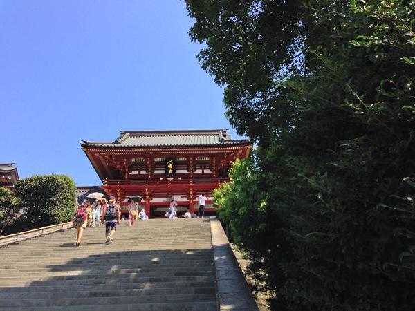 大石段と本殿
