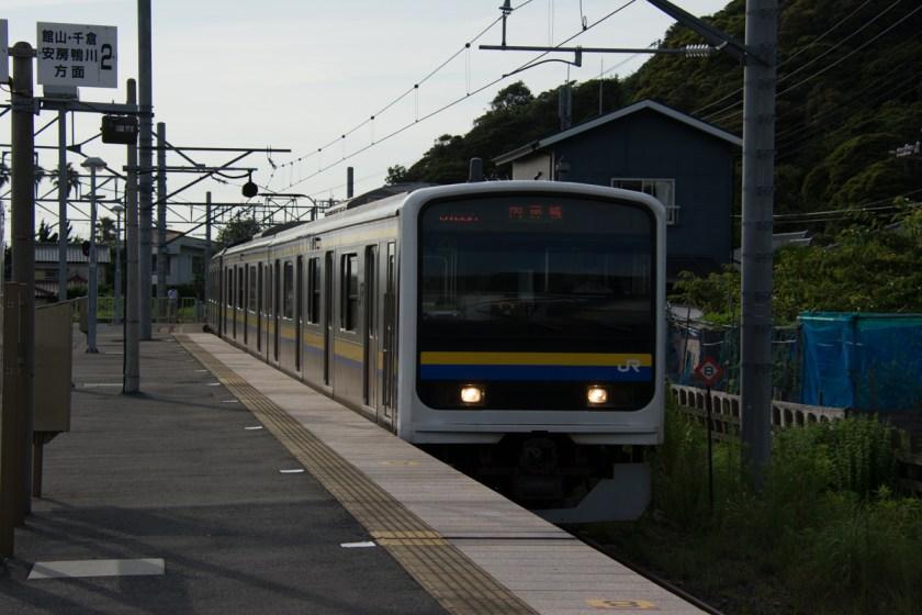 浜金谷駅での各駅停車