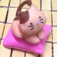 Розовый котёнок из фетра