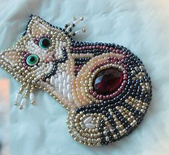 beaded_brooch_cat-1