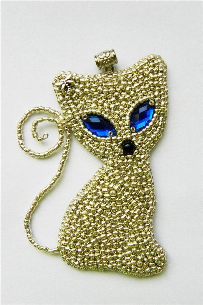 beaded_brooch_cat-4
