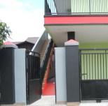 Gerbang dan Tangga ke Lantai 2