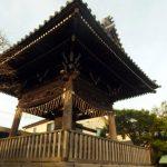本覚寺 駅の近くの、えびす講が楽しい、人形供養の寺。アクセスデータ付き