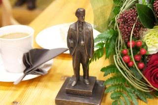 Kakkukahvit Antti-patsaan tähden juotiin ilman muuta.