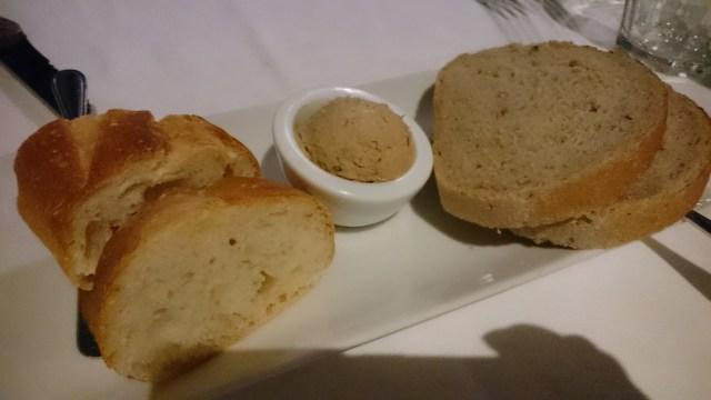 パンと吉田豚