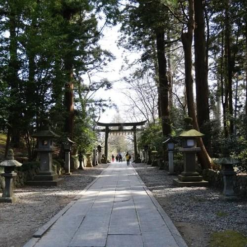 塩釜神社境内内の写真