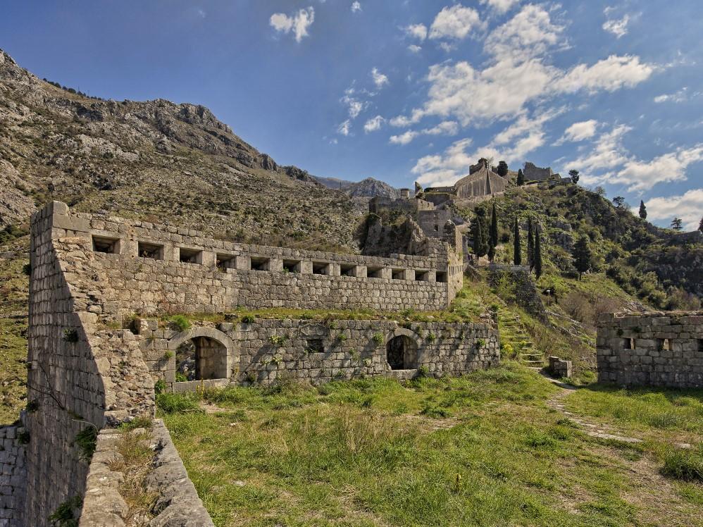 see and do kotor walls montenegro