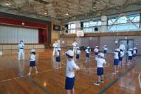 オリンピック・パラリンピック教育推進授業として吉祥寺の子供たちに空手の指導にいきました。