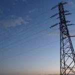 おうち割か、au電気セット割か。電力自由化から1ヶ月が経過。