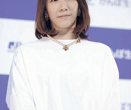 元宝塚の瀬奈さん特別養子縁組でママに