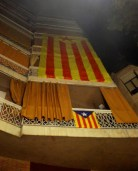 OK, there is someone living at the 2nd/3rd/4th floor who desperately wants to see Catalonia independent, plus he/she is a socialist. Makes the neighbor's blue estelada at 1st floor seem like a baby whisper!