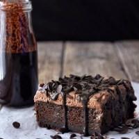 Τρυπάτο σοκολατένιο κέικ ψυγείου
