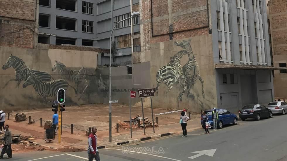 Fresque sur les murs d'une rue de Jobourg