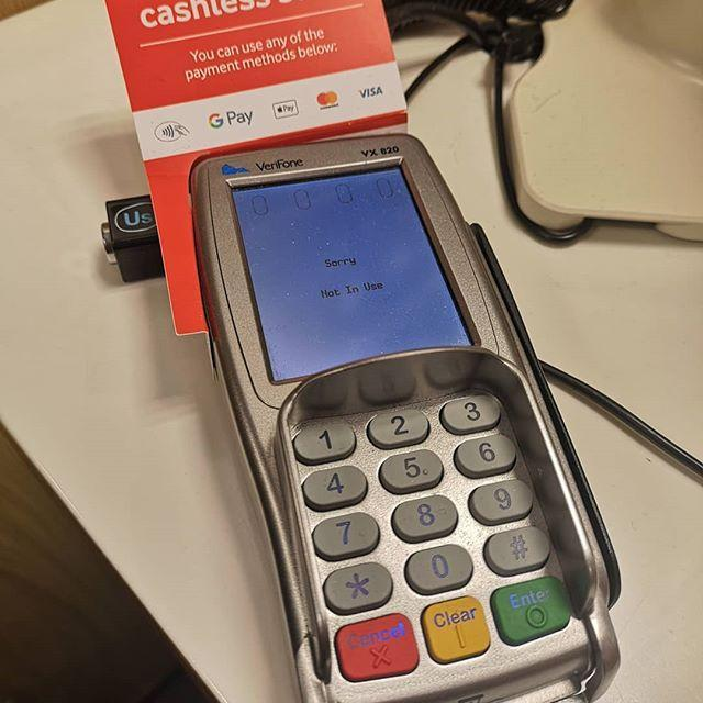 しかし、これを前にして「支払いはカード?現金?」と聞かれるのは間違ってないだろうか。