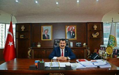 Başkan Çelik, kampanyaya 3 aylık maaşını bağışladı!