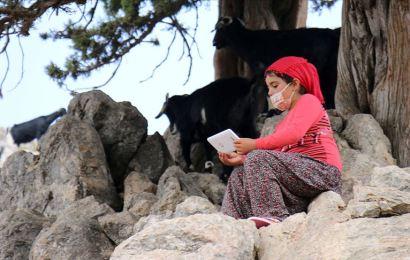 Çalışkan Yörük kızı artık derslerinden geri kalmayacak