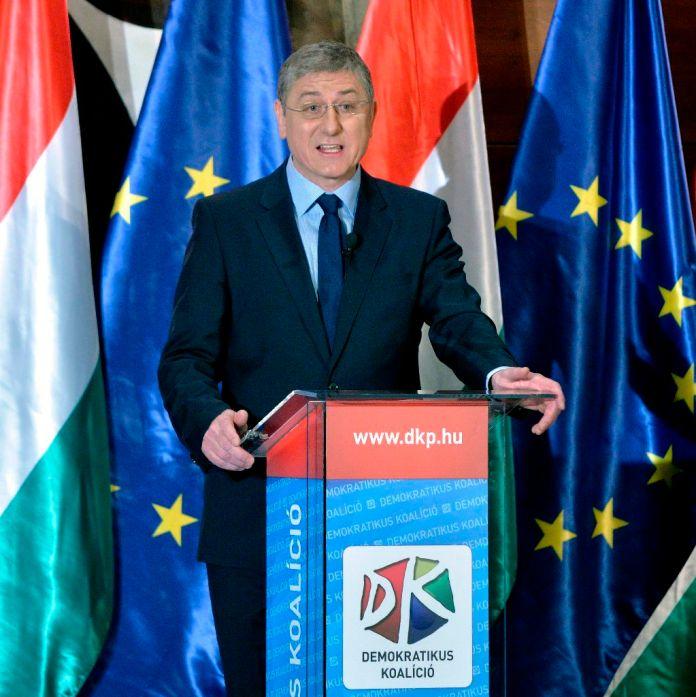 Gyurcsány Ferenc, a Demokratikus Koalíció elnöke, volt szocialista miniszterelnök beszédet mond pártja évértékelõ rendezvényén a Budapest Marriott Hotelben 2015. január 31-én. MTI Fotó: Máthé Zoltán