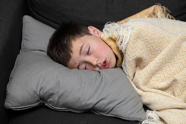 teenage-boy-sleeping-nude-teens-youngleafs