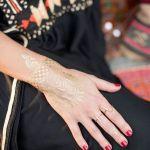 manos para una boda de estilo marroquí