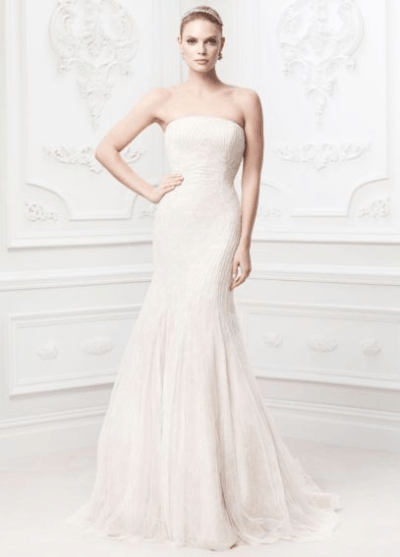 Vestido de novia en corte sirena uy bordado en tono champagne de Zac Posen por 400 euros.