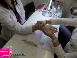 NEGA RUKU – uklanjanje zanoktica, masaža i lakiranje