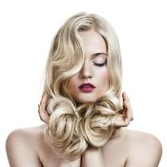 Promenite oblik lica frizurom