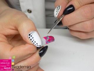 RAZLIČITE TEHNIKE NAIL ART-A – sa nastave na kursu Nadogradnja noktiju sa nail art-om