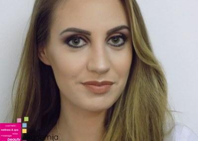 ŠMINKA KOJA ISTIČE – sa nastave na praktičnoj nastavi smera Makeup artist