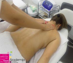 terapeutskom masažom