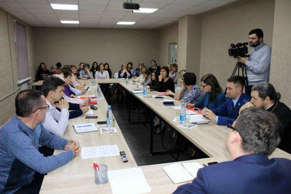 В филиале АГУ в Знаменске прошёл круглый стол по проблеме снюсов