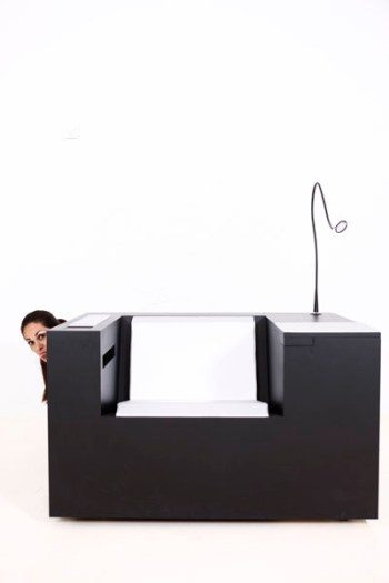 09_Modern-Beautiful-and-ergonomic-workstation-Four-works-Furniture-by-Four-Design