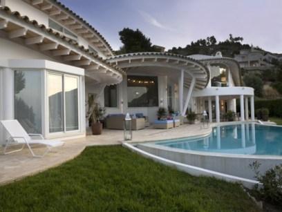 01-luxury-villa-in-a-contemporary-neutral-scheme