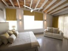 09-luxury-villa-in-a-contemporary-neutral-scheme
