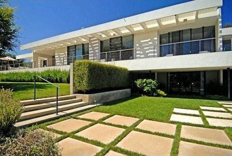 Jennifer-Anistons-21-million-mansion-Bel-Air