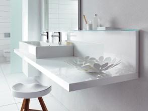 Duravit-modern-white-accessorized-bathroom-
