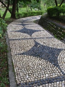 amazing-pebble-garden-paths-24
