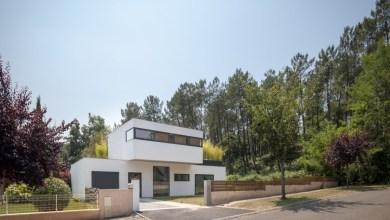 Photo of Modern ház a festői francia régióból