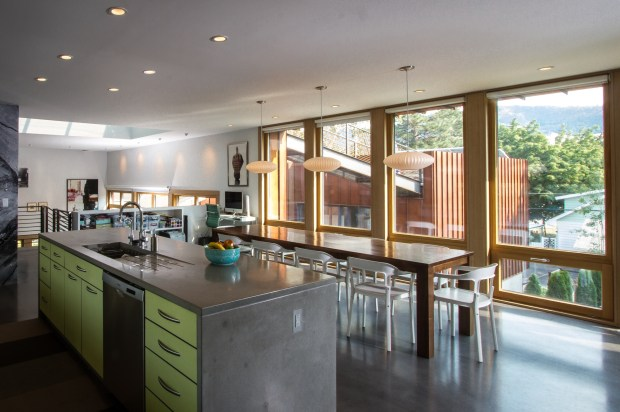 Kitchen-with-view