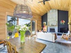 family-beach-house-with-skate-ramp-6-main-room-thumb-630x472-23414