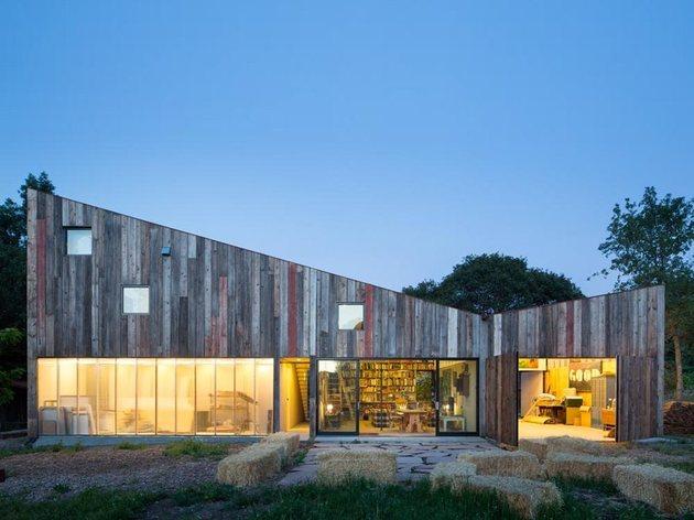 new-studio-barn-features-100-year-old-barn-board-siding-1-facade-thumb-630x472-26104