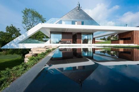 geometric-home-emerges-lime-cliff-1-concrete-framework-thumb-630x419-27870
