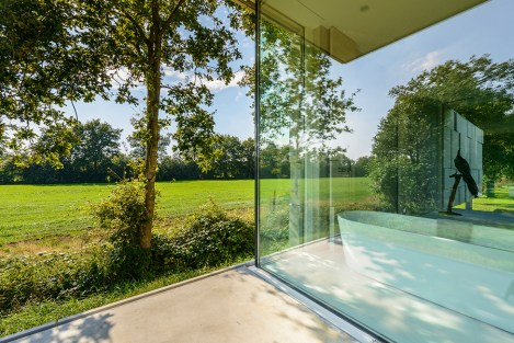 Bathroom-and-outdoors