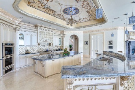 Luxury-Palm-Royale-property-for-sale-17