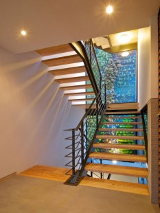 indoor-outdoor-zones-accentuated-vertical-gardens-7-stairs-thumb-autox839-44186
