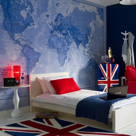 Teenage-boys-bedroom-with-map-mural-ideal-home-housetohome.co.uk