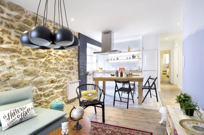 small-apartment-in-Spain-dining-between-kitchen-and-living-area