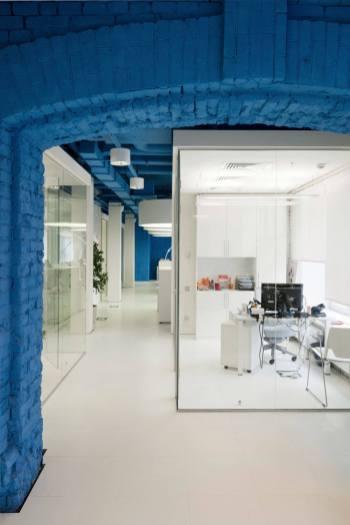 OPTIMEDIA-Media-Agency-Office-by-Nefa-Architects-2