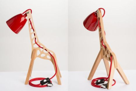 3-giraffes-whimsical-table-lamp-leanter-thumb-630xauto-57731